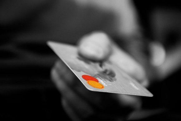仮想通貨デビットカードHcardの登録方法